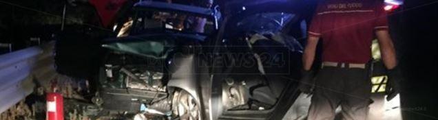 Le auto coinvolte nell'incidente stradale