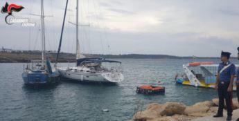 Rubano la barca a vela usata dai migranti, due arresti nel Crotonese