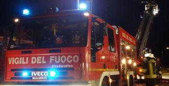In fiamme un negozio di articoli per la casa a San Lucido, indagini