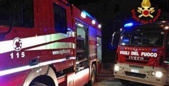 Un intervento notturno dei vigili del fuoco