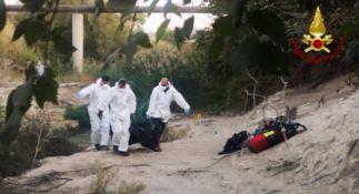 Recupero del cadavere a Isola Capo Rizzuto