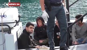 Sbarchi e Coronavirus, i 169 migranti della nave-quarantena verranno trasferiti a Crotone