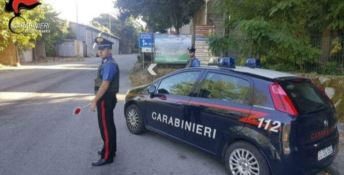 Fuggono all'alt e minacciano i carabinieri, due arresti nel Reggino