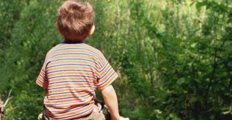 Il bimbo addestrato dal padre a trafficare droga: «Episodio inquietante»