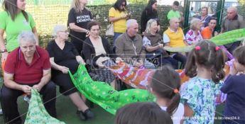 Demenze, a Catanzaro una festa con nonni speciali per i bimbi dell'asilo