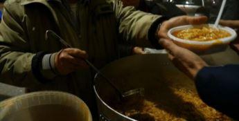 San Ferdinando, i migranti rifiutano i pasti donati. Il sindaco: «Episodio tristissimo»
