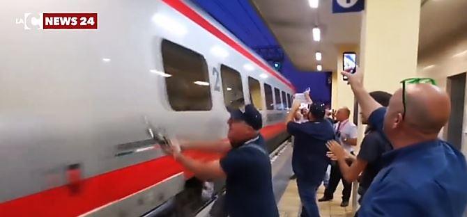 L'arrivo del treno a Sibari