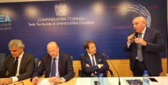 Confindustria, Oliverio a Cosenza: «In Calabria eccellenze da non mortificare»