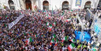 Lega e Fdi in piazza contro il governo. Salvini: «No ai poltronari»