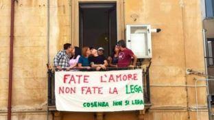 Protesta anti Salvini, la Questura di Cosenza dice No. Ma il corteo si farà