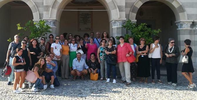 I partecipanti al santuario di Santa Maria dell'Isola