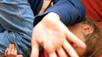 Rizziconi, violenze sessuali su un minorenne in cambio di regali: un arresto