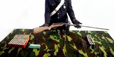 Un fucile e centinaia di munizioni trovati in un bosco nella Locride
