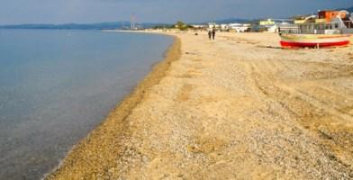 Corigliano-Rossano, giovane muore annegato in mare: forse un malore