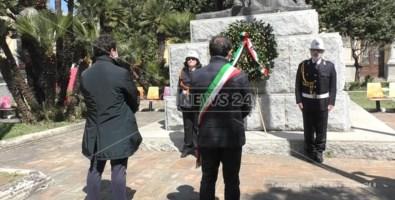 Le celebrazioni in piazza Matteotti a Catanzaro