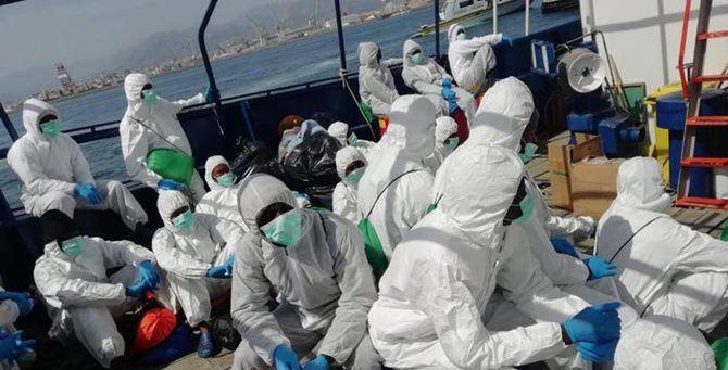 Un recente sbarco in Sicilia (foto Ansa)