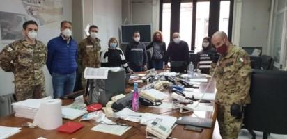 Un momento dell'incontro in prefettura tra il consigliere Giannetta e gli operatori dell'Unità di crisi
