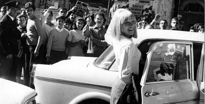 La cantante Graziella Franchini, alias Lolita,  quando era all'apice del successo, prima del suo trasferimento in Calabria