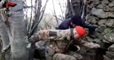 Bunker con camera e letto rinvenuto e sequestrato dai carabinieri a Platì