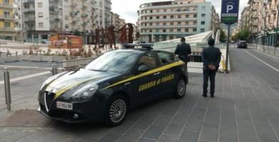 Cosenza, sequestro piazza Bilotti: falso collaudo per tenere il concerto