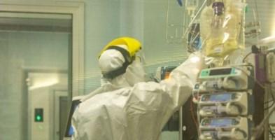 Coronavirus, un medico calabrese guida il team per salvare il paziente 1