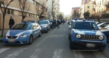 L'uscita degli arrestati nell'operazione Valle dell'Esaro