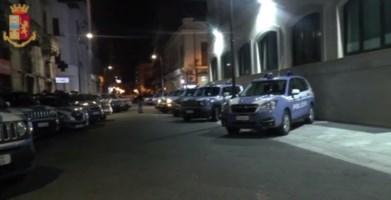 Taurianova, aggredisce i poliziotti e rifiuta di fornire le proprie generalità: arrestato