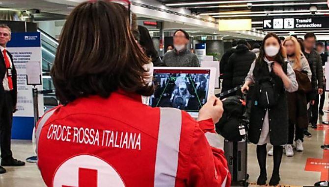 Controlli in aeroporti italiani ( da Agensir)
