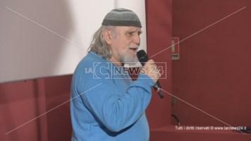 Lo scrittore Moni Ovadia a Cosenza: «La cultura contro chi nega la Shoah»