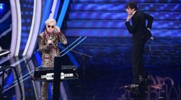 Morgan e Bugo durante l'esibizione a Sanremo