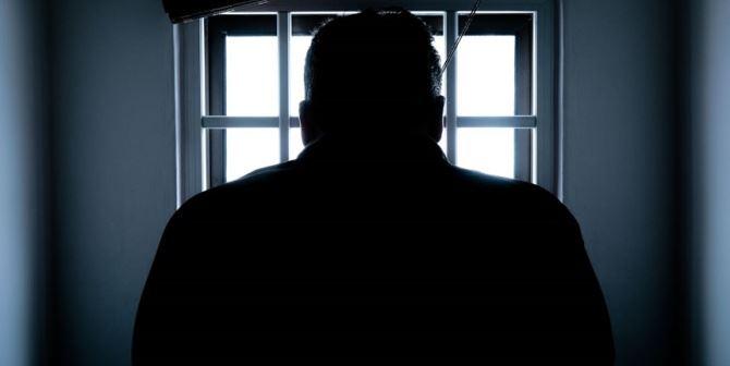 Uomo in carcere