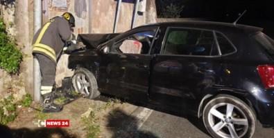 Incidente a Borgia, auto perde il controllo e finisce contro un muro: un morto