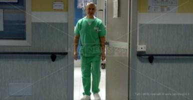 Sospesi anche i corsi preparto all'ospedale di Lamezia