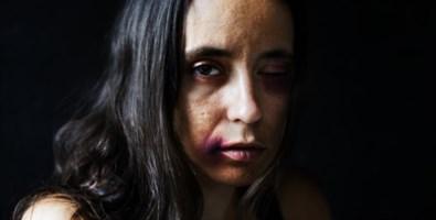 Una donna vittima di violenza - Repertorio