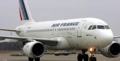 Francia, bimbo morto nel carrello di un aereo proveniente dalla Costa d'Avorio