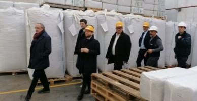 Il ministro in visita a un'azienda di Rende