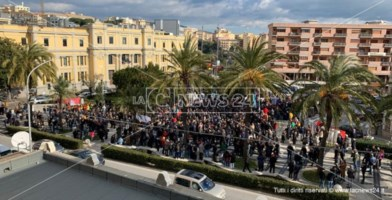 La manifestazione a Catanzaro a sostegno di Gratteri