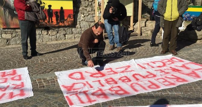 Lucano alla manifestazione delle Sardine
