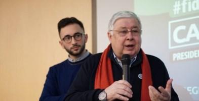 Elezioni regionali, Pippo Callipo e la rivoluzione delle sciarpe rosse