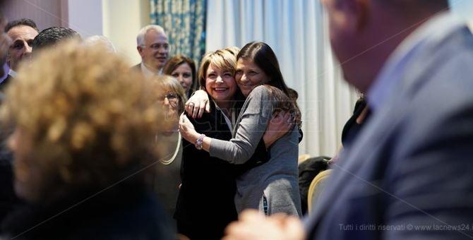 Jole Santelli con il sindaco Maria Limardo