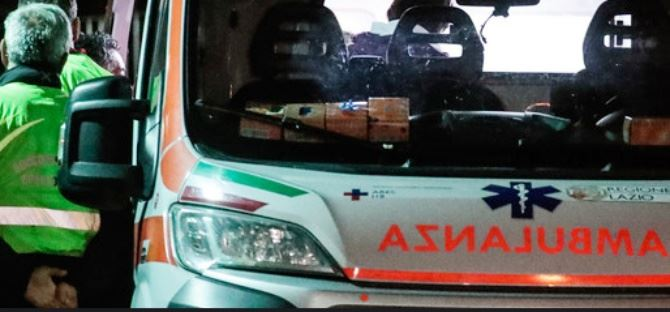 Ambulanza (immagine agi)