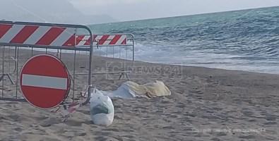 Il cadavere trovato in mare a San Ferdinando