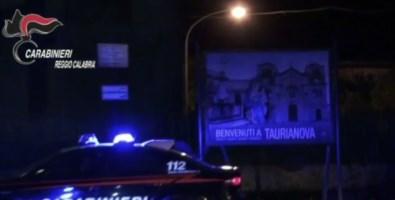 Tentarono di uccidere a coltellate presunto pedofilo, tre persone arrestate a Taurianova