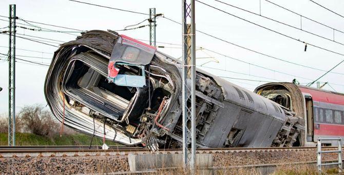 Treno deragliato in provincia di Lodi