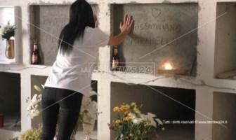 Eleonora sulla tomba dei fratelli