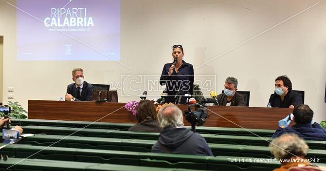 La conferenza stampa in cui è stato annunciato il piano Riparti Calabria