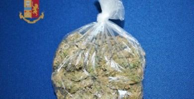 Rosarno, beccato in bici con 100 grammi di marijuana: arrestato