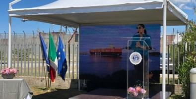 Mega nave a Gioia Tauro, Santelli: «Il Porto è la grande scommessa della Calabria»