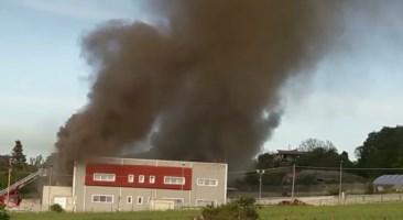 Spilinga, incendio di vaste proporzioni in un salumificio