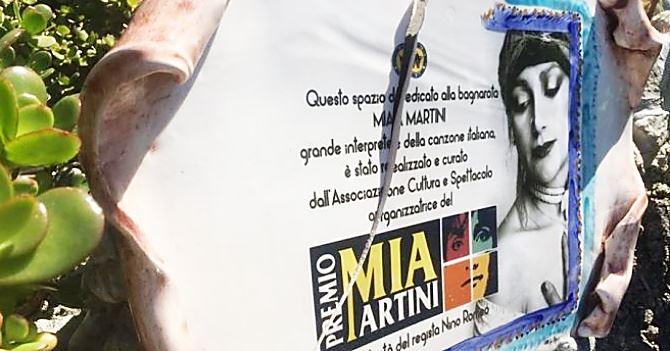 La targa di Mia Martini vandalizzata a Bagnara